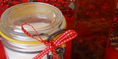 Christmas Kitchen - Flavored Salts, Sugars and Oils - Great Presents for Foodie Friends